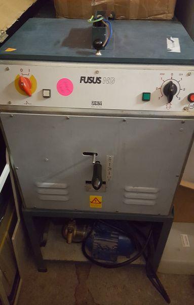 Fusus NG Galloni Hochfrequenz-Induktions-Gussschleuder Giessgerät
