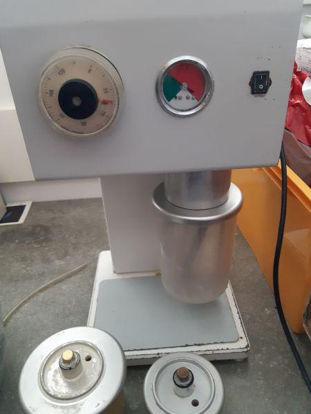 Amann Dental Vacumat II Vakuumanmischgerät mit 3 Anmischbecher