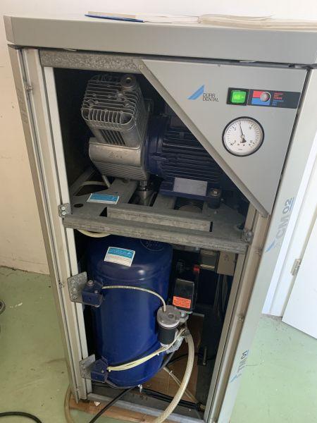 Generalüberholt. Dürr-Dental Power Tower PT160 (Kompressor+ Absaugung)