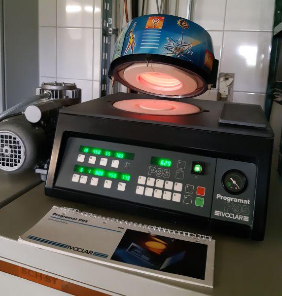 Ivoclar Programat P 95 Keramikofen mit Vakuumpumpe Keramikbrennofen